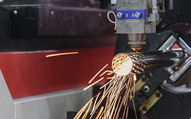Profile und Rohre mit Laser schneiden