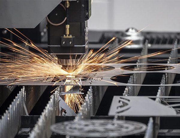Welche Verfahren gibt es beim Laserschneiden?